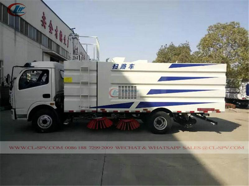 Dongfeng China road sweeper