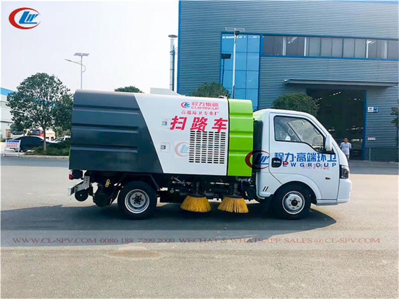 Dongfeng vacuum sweeper