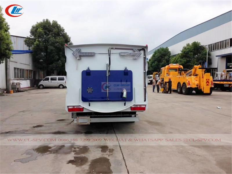 Euro 6 Dongfeng road vacuum sweeper
