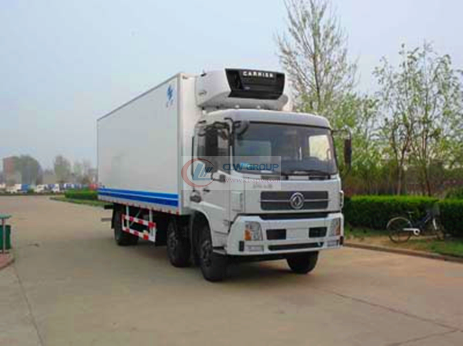 Dongfeng Tianjin small three-axle 8.4m refrigerated truck
