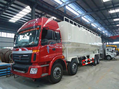 Futian first four and eight bulk feed trucks