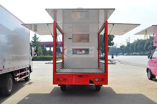 福田伽途T3移动售货车后面图