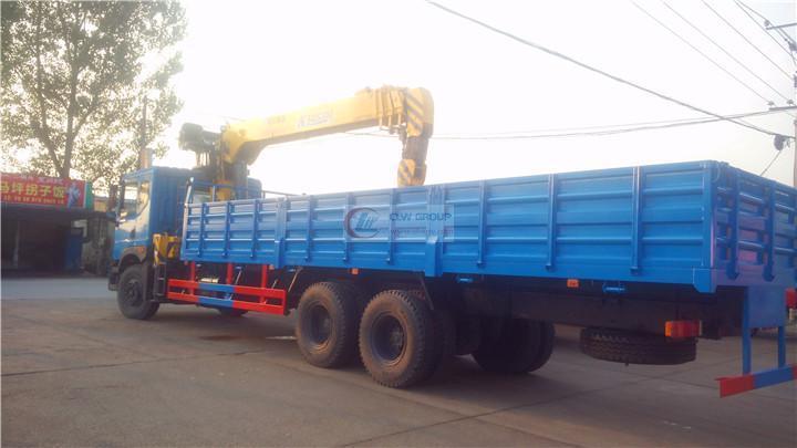 东风后八轮徐工12吨随车吊