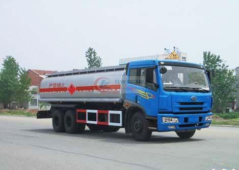 Shuangqiao chemical liquid transport vehicle after liberation