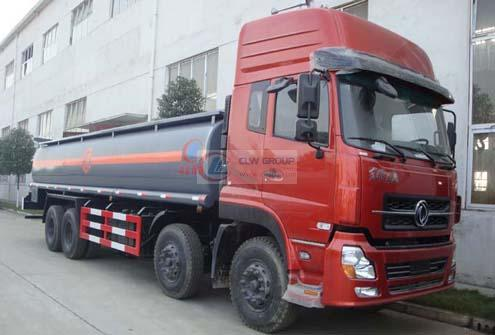 Dongfeng Tianlong 8×4 chemical liquid transport vehicles