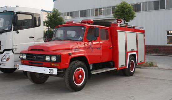 Dongfeng pointed dry powder fire truck