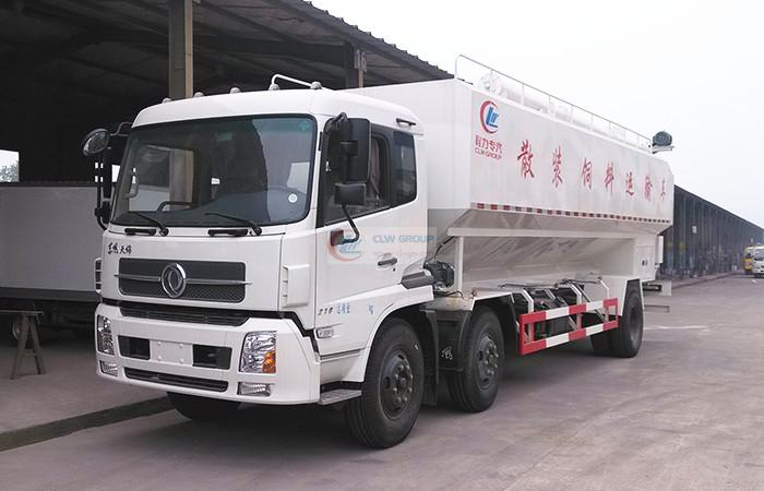 Dongfeng Tianjin small three-axis feed truck (30  cbm)