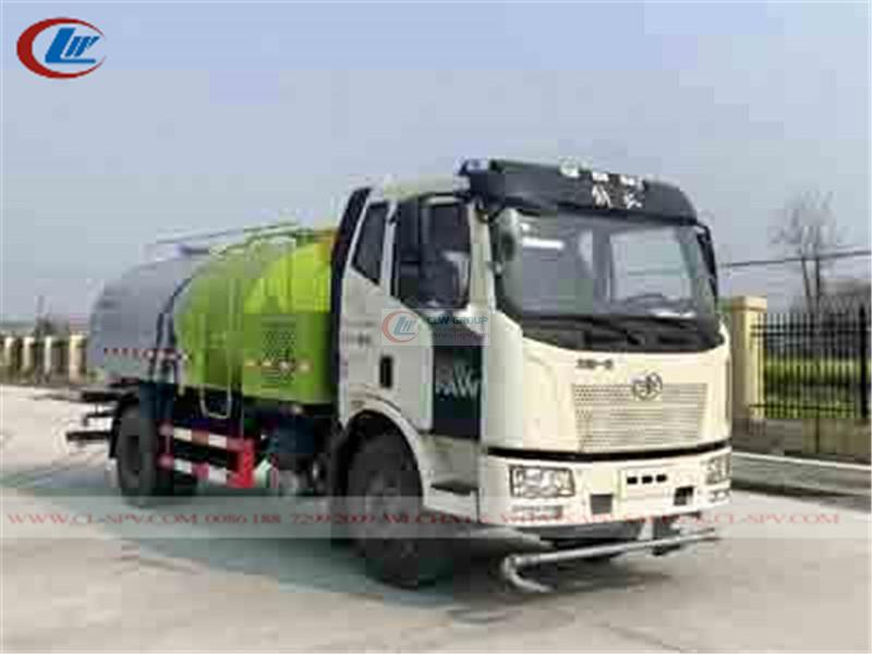 FAW road cleaning and maintenance truck