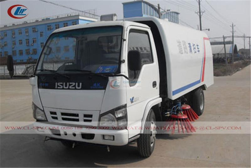Isuzu 600P road sweeper