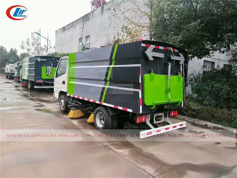 Kaima <a target='_blank' href='https://www.runtrucks.cn/city-sanitation-truck/road-sweeper'>road sweeper</a>