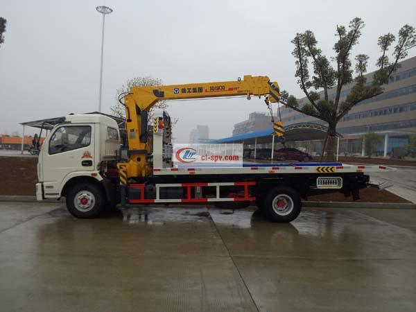 Dongfeng Capt Flatbed Wrecker with Crane