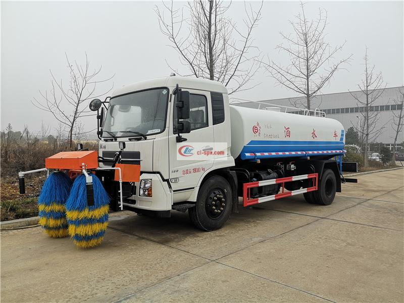 Dongfeng Suizhou 10 tons high-speed guardrail cleaning truck