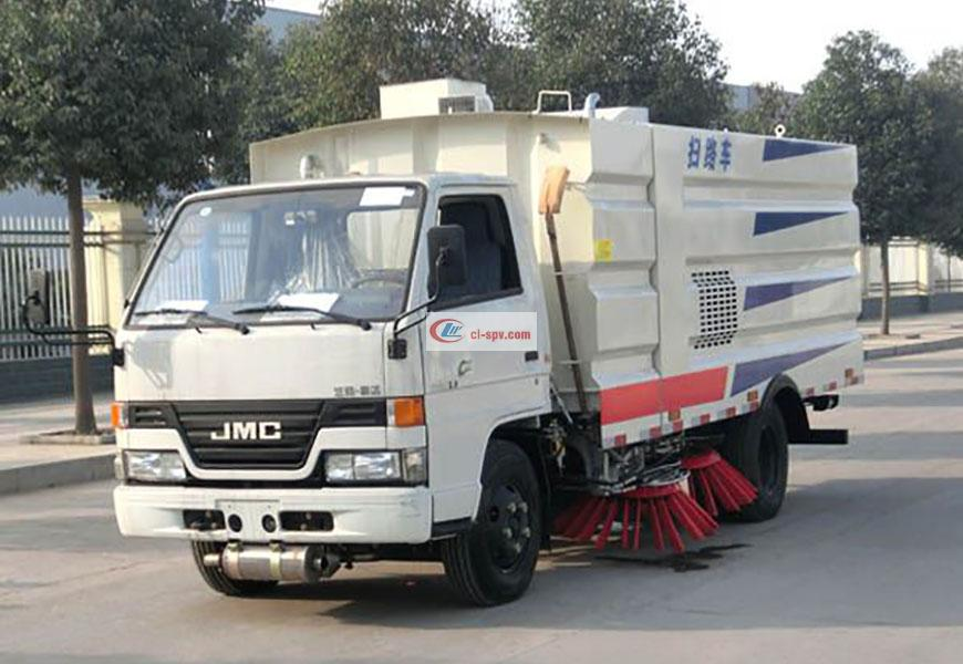 Jiangling small road sweeper