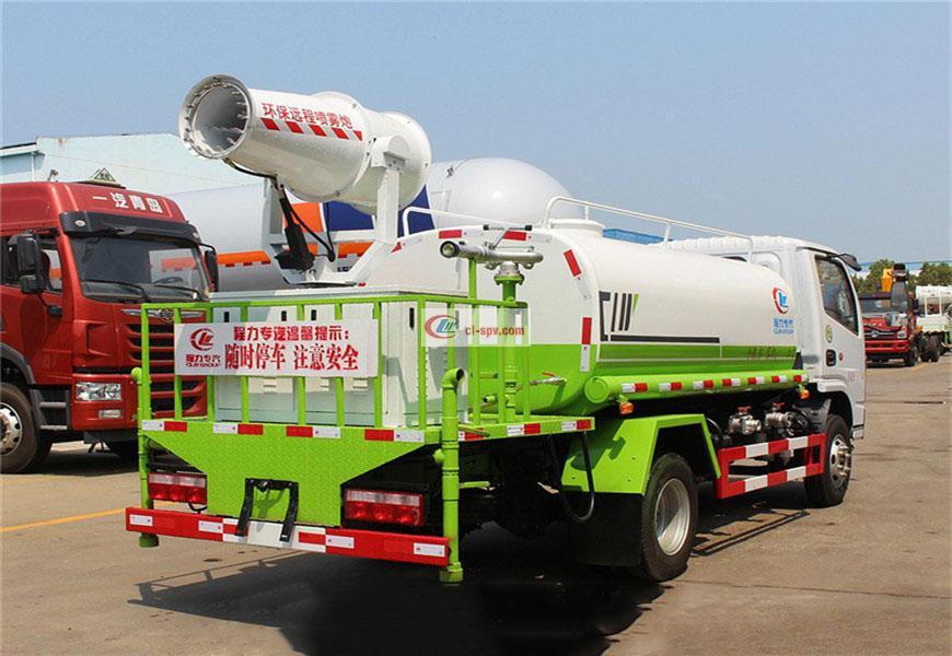 国六东风多利卡5吨绿化喷洒车图片
