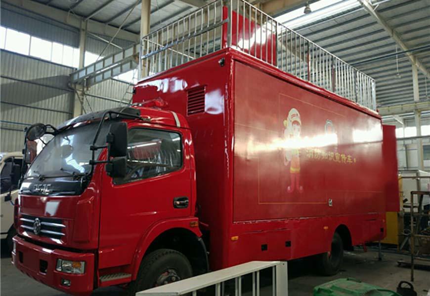 Dongfeng Duolika advertising vehicle