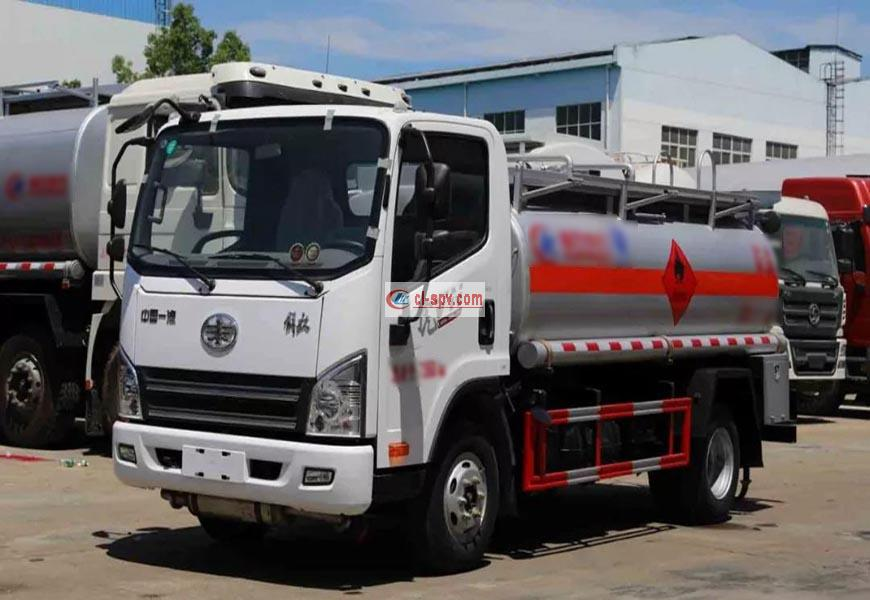 CLW5070GJYC5 refueling truck
