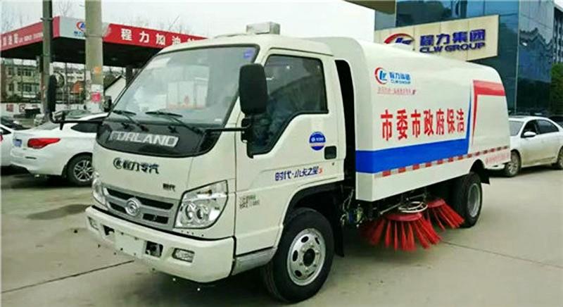 福田3方扫路车左侧方位图