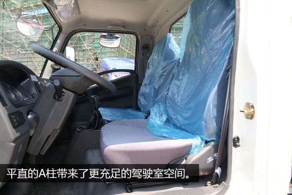 福田康瑞蓝牌清障车 驾驶室