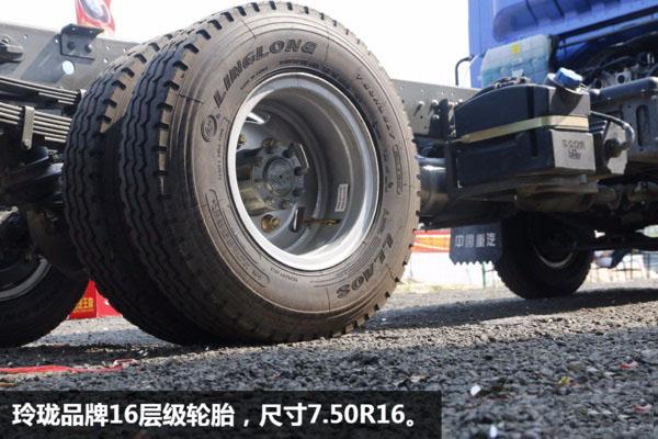 重汽王牌蓝牌清障车 轮胎