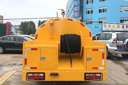 DLK التنظيف الجانب الشرقي شاحنة شفط 5 (11)